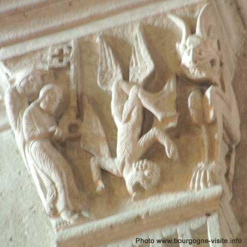 Simon le magicien, un chapiteau de la cathédrale d'Autun