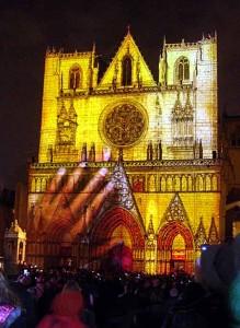 Fête des lumières Lyon - Saint-Jean - Les bâtisseurs, Damien Fontaine - 4 horizons