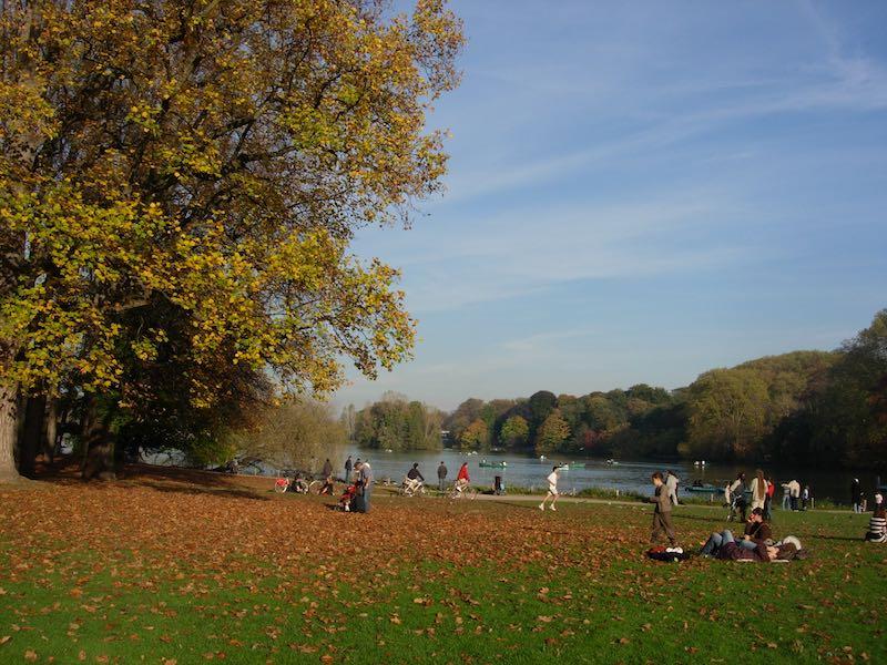 Parc de la Tête d'Or en automne, côté entrée des Enfants du Rhône (entrée principale)