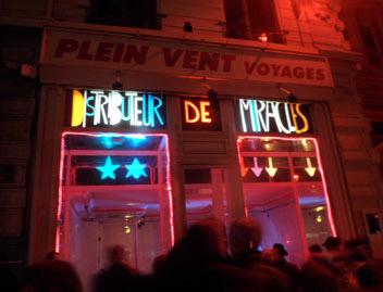Fête des lumières Lyon - Distributeur de miracles - 6, rue Président Carnot