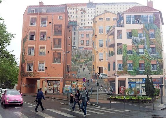 Visiter Lyon : le mur peint des canuts Croix-Rousse