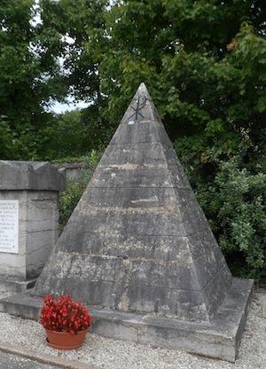 Le tombeau de Laurencin, sponsor des frères Montgolfier