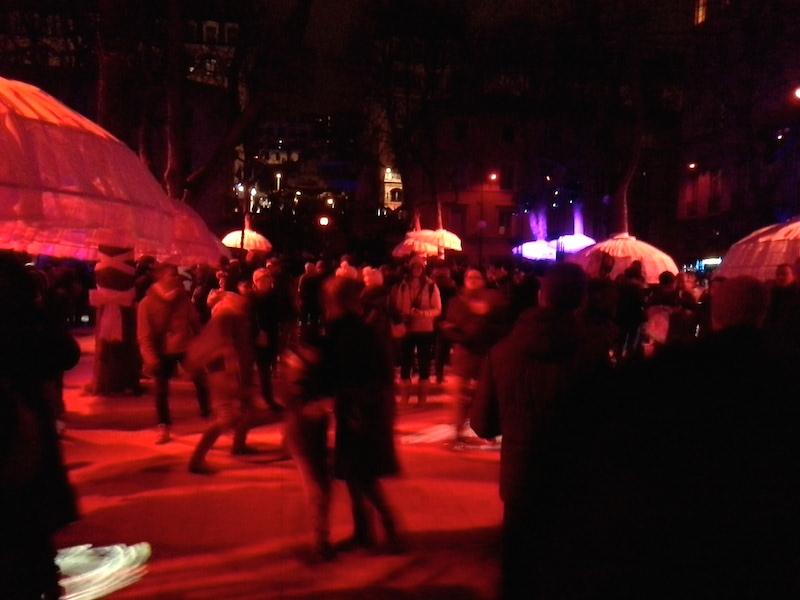 http://www.lyon-visite.info/wp-content/uploads/2014/12/Fête-des-lumières Place-Sathonay