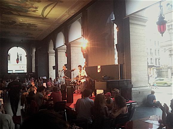 Cafe-Jazz-Peristyle-Opera-Lyon-visite