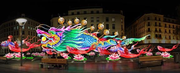 Place dela République, Les lanternes de Zigong