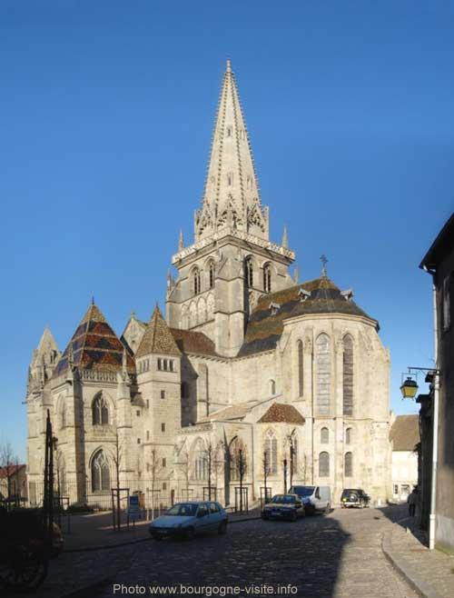 Cathédrale Saint Lazare d'Autun, vue du chevet (panoramique)