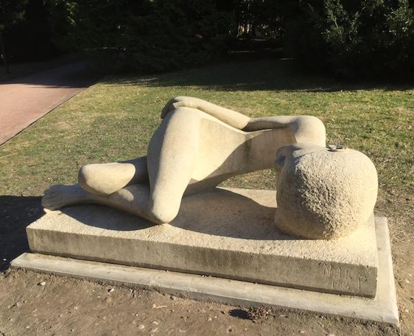 La Déchirure (1986), œuvre de Nathalie Pesselon