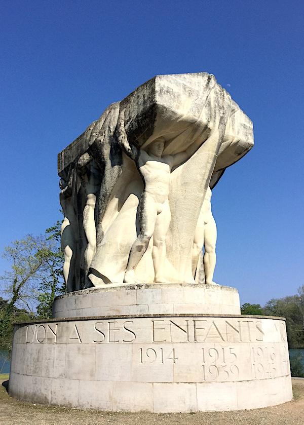 Statue du souvenir de 1914-1918, sur l'île du Souvenir