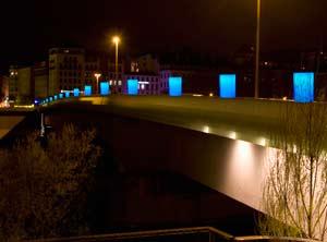 Fête des lumières 2010 - L'étincelle ou l'odyssée des lumignons - Pont Morand, Yves Moreaux et Jean Reydellet