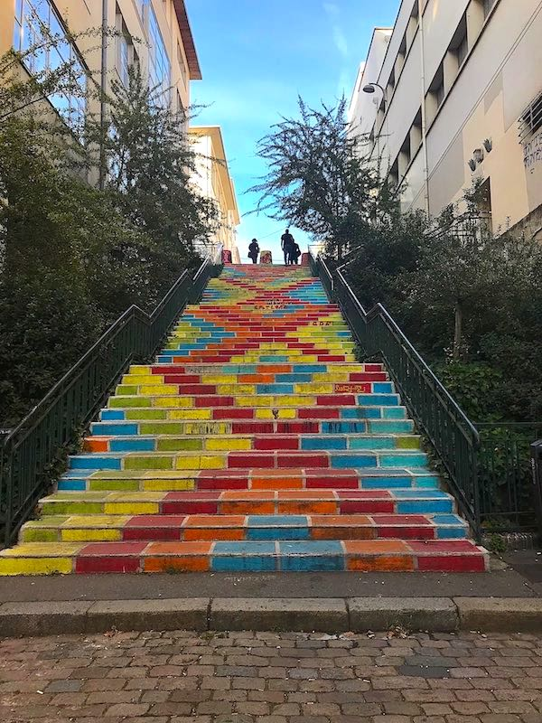 Escalier coloré rue Prunelle, photo 2018
