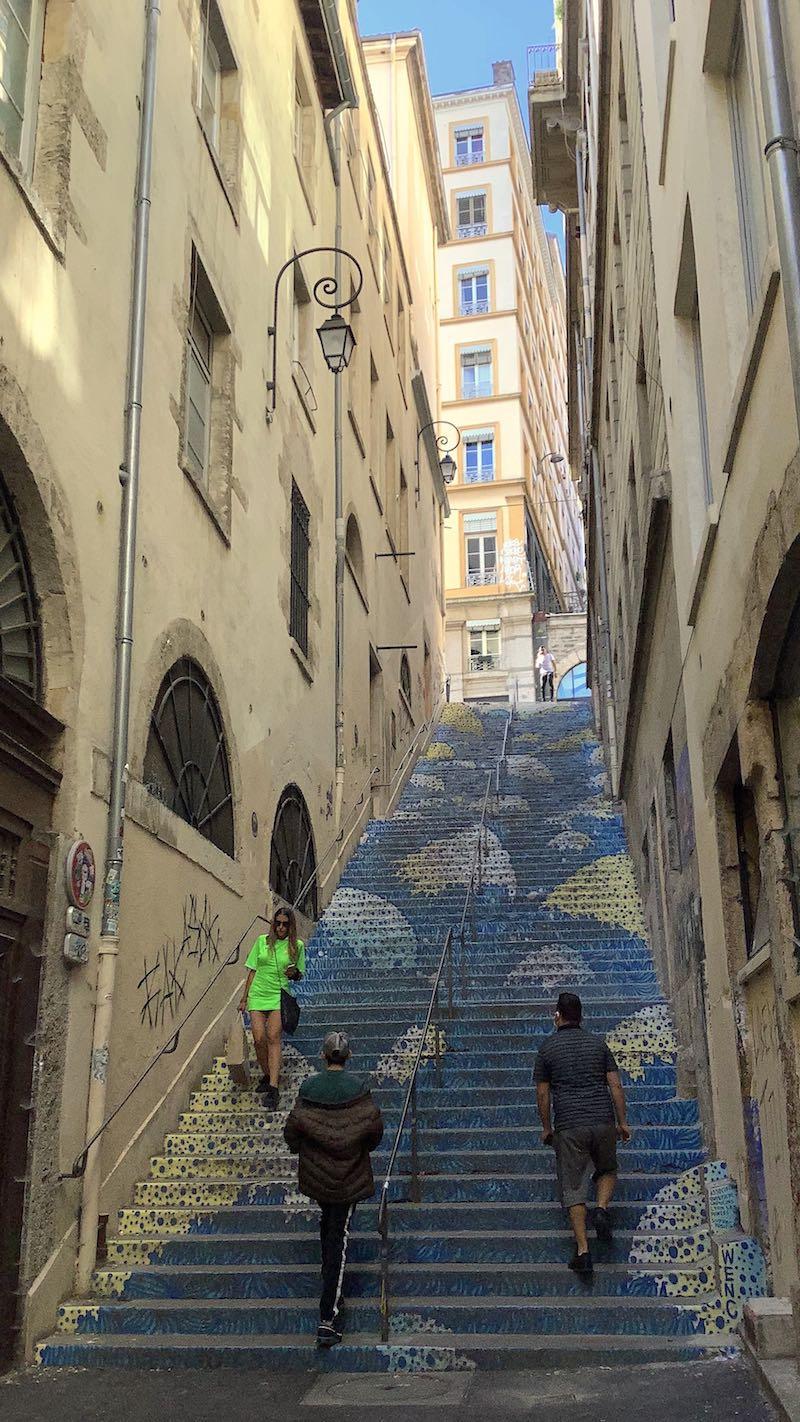 Escalier bleu, passage Mermet - Street-art Lyon pentes de la Croix-Rousse