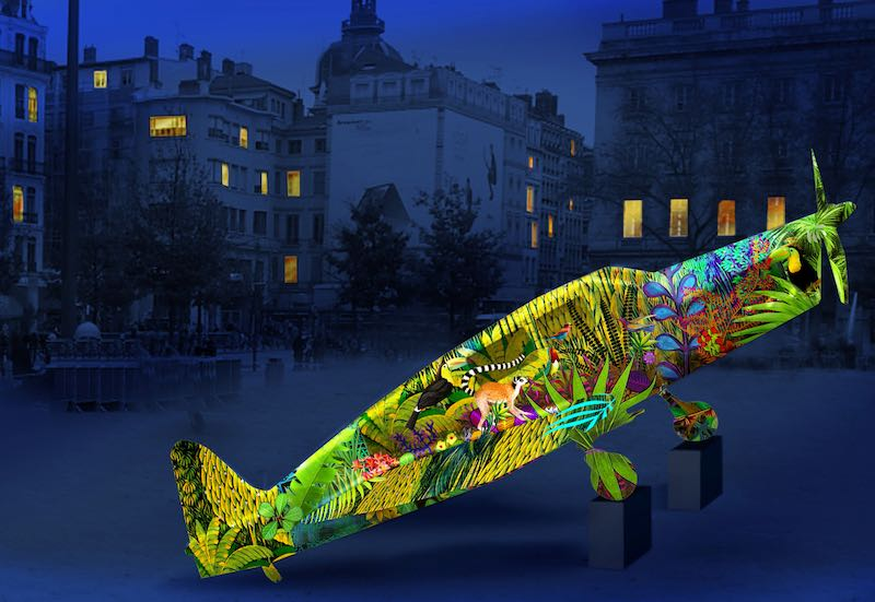 Vols de nuit, place Antonin Poncet, l'avion de Saint-Exupéry, animation de Thierry Chenavaud pour la fête des lumières 2016 (simulation)