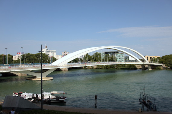 Le pont Raymond Barre, Lyon Confluence