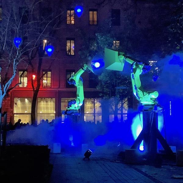 Light me imaginée et créée par Séverine Fontaine, Place de la Bourse, fête des lumières 2019
