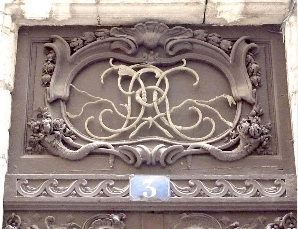 imposte de la porte au 3 rue Sainte Marie des Terreaux